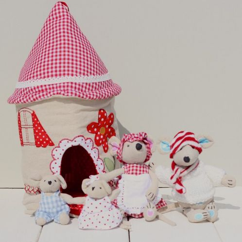 Fabric Mouse House & Family image #1